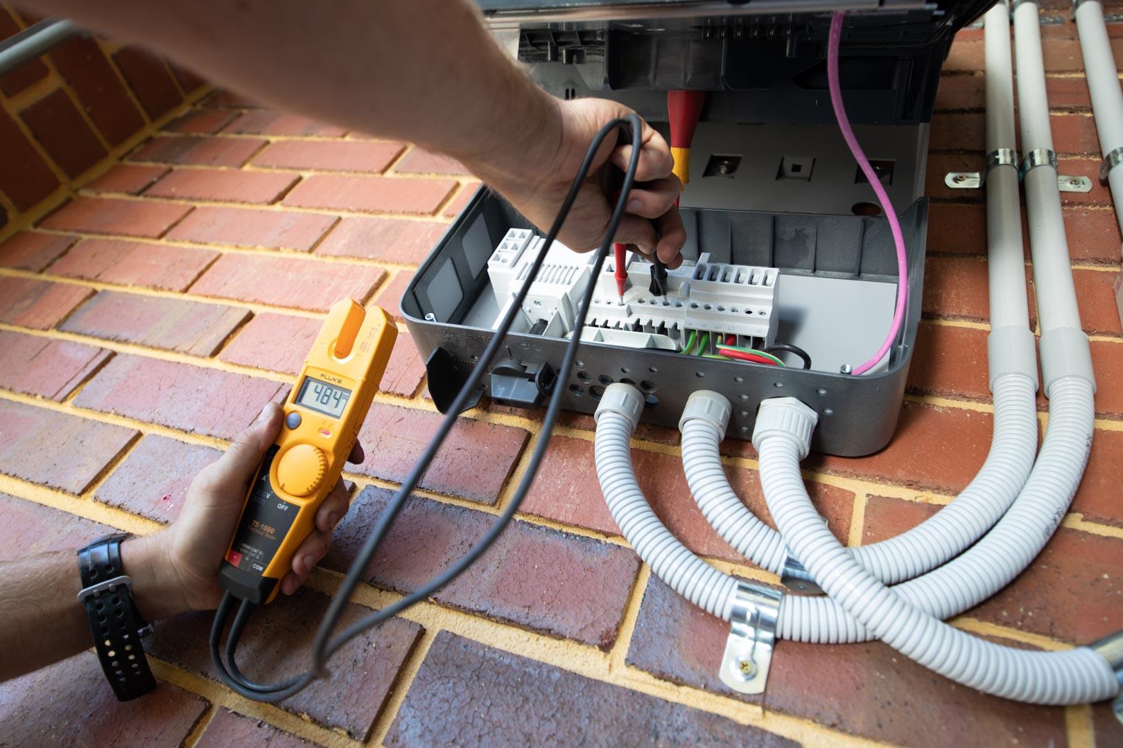 installing solar inverter